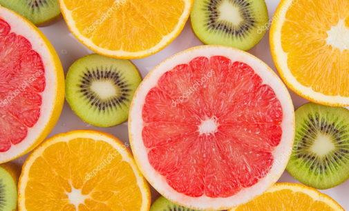 È il momento giusto per consumare le arance e i kiwi italiani